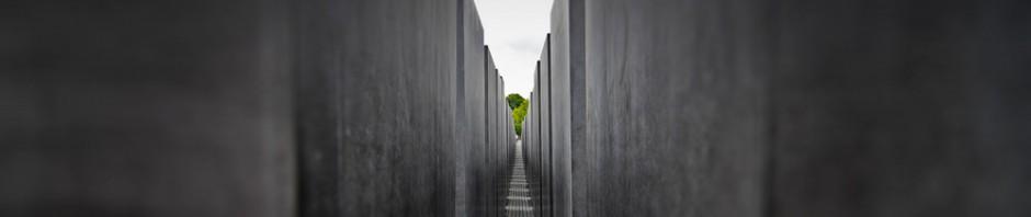 cropped-Holocaust-Mahnmahl-Berlin-a.jpg